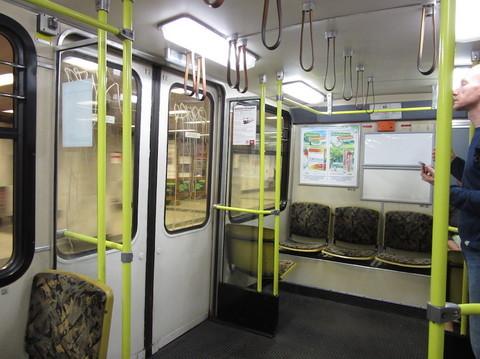 IMG_5571地下鉄車内.JPG