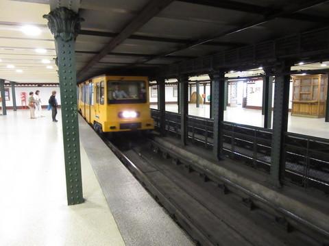 IMG_5590地下鉄車両.JPG